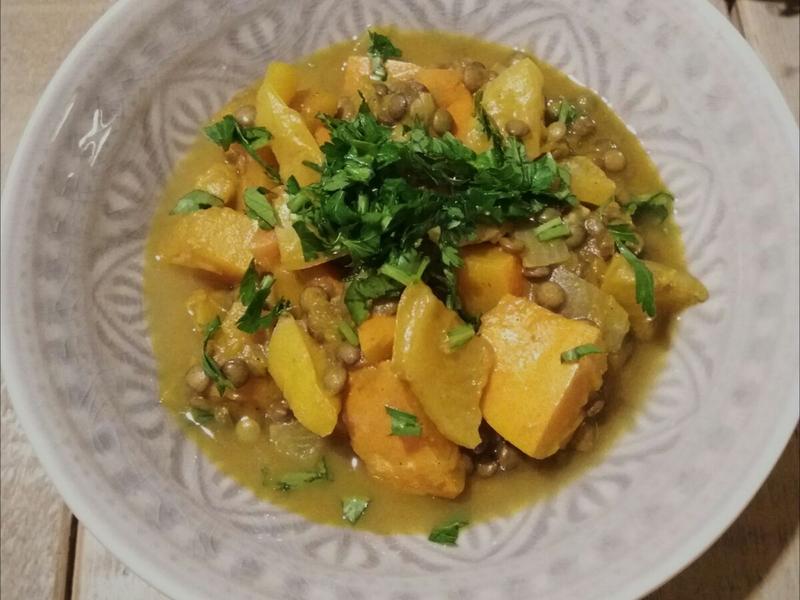 Curry met pompoen kokos en linzen