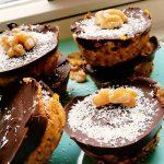 Snowy pumpkin cakes